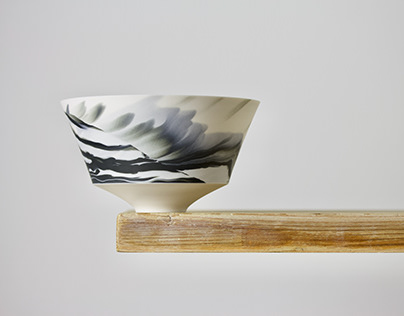 Marble porcelain bowl in black & white slip
