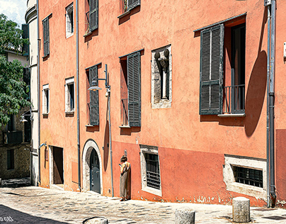 Portal de la Barca street