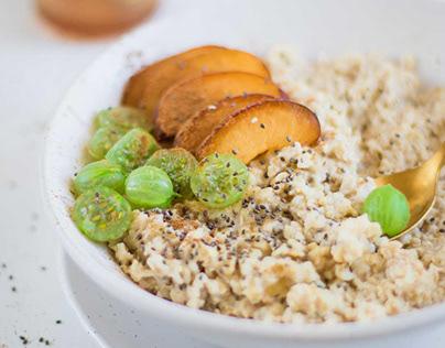 Porridge with fruits