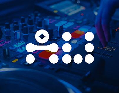 AU DJ Logo