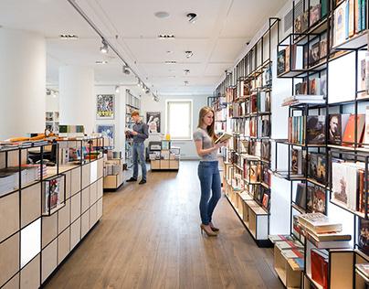 Pioner Bookstore