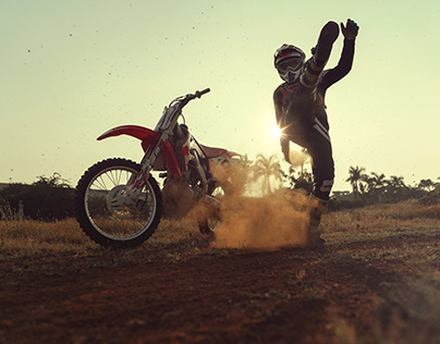 Honda CRF250 and Some Dirt