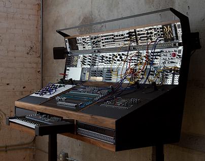 SYNTHESIZER | MUSIC STUDIO ON LIFT