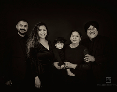 FINE ART FAMILY PORTRAITS - THE RATTEY FAMILY