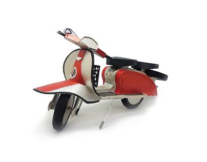 Vintage Lambretta - handmade cardboard model