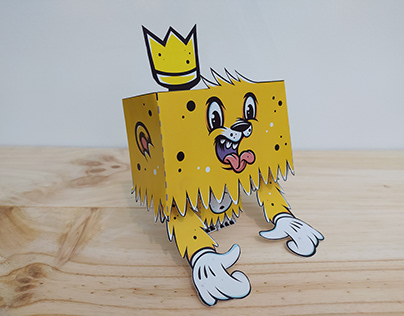 """Paper Toy """"King"""""""
