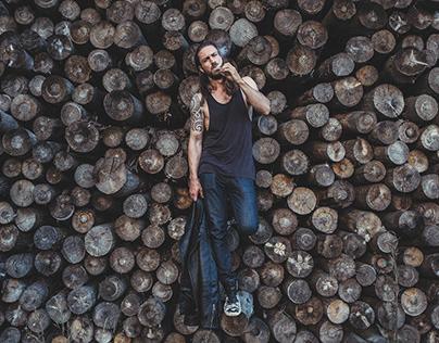 Man in wood - editorial