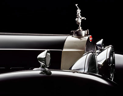 Divina Bugatti: Behind a Shooting for a Great Book