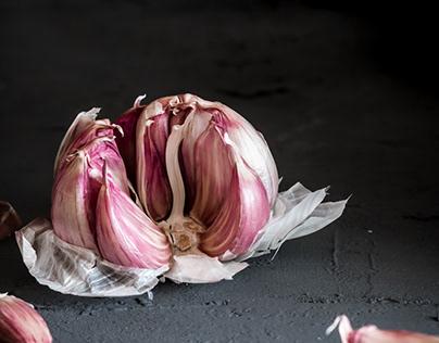 Garlic / dark mood