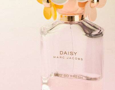 Product Photography: Daisy — Marc Jacobs