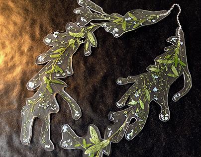Myosotis necklace
