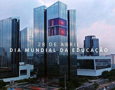 Santander - Adesivo Dia da Educação