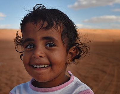 Children's of Ash Sharqiyah's desert