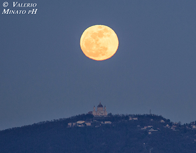 VIDEO_ Full Moon on Turin_ 5 March 2015
