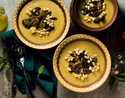 Mushroom soup with Italian cannellini beans and fennel