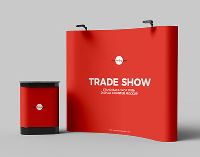 Free Trade Show Backdrop With Display Counter Mockup