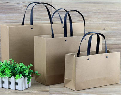 What are the benefits of using custom bags?