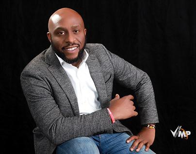 About Anslem Oshionebo