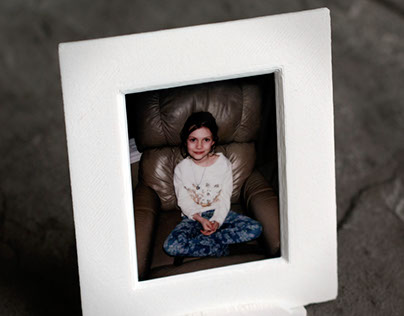 A Fuji Film Instax Mini picture frame.