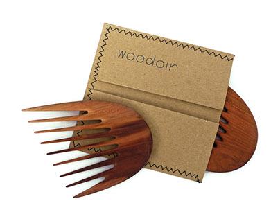 Woodoir combs