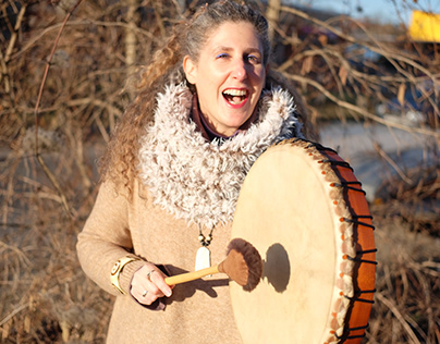 winter light - Raphaela Gilla and her shaman drum