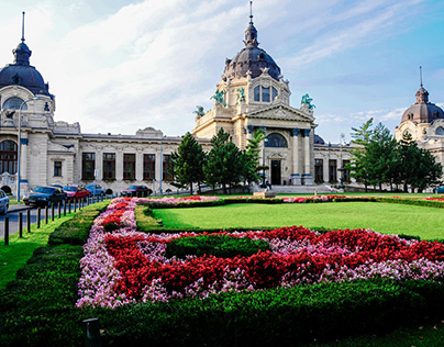 Monuments in Budapest (Hungary)