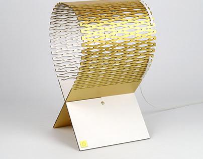 Lynx, wooden lamp in gold finishing