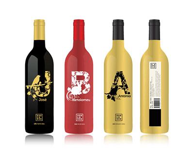 Dos Lobos wine labels