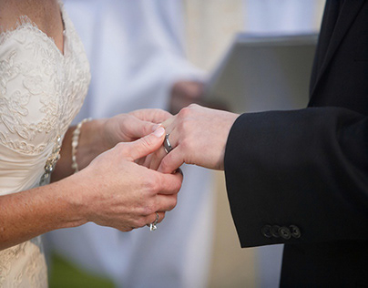 What Are The Best Styles in Men's Wedding Bands?