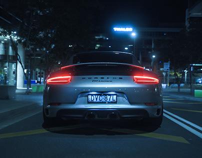 PORSCHE 911 Carrera Commercial
