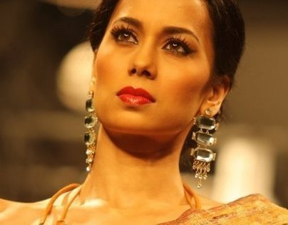 Fashion Show Backstage - Kolkata Fashion Week 2009