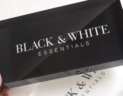 Black & White - Essentials