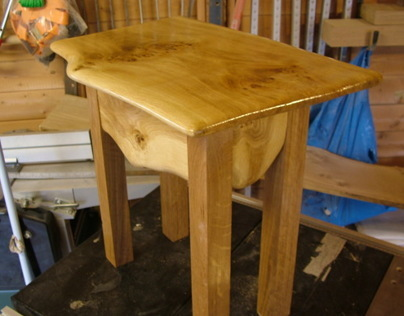 Wainy Edge Pippy Oak Side Table