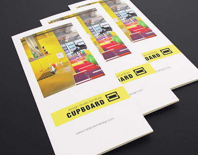 [-25%] Tri-fold Flyer Mock-up