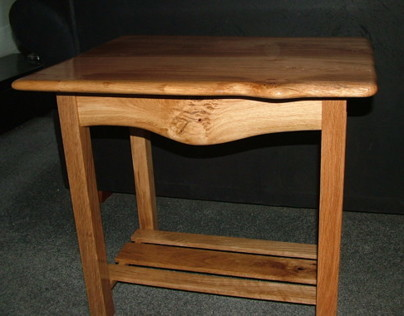 (L) Pippy Oak Side Table