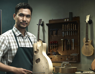 Dji Sam Soe Guitar Maker