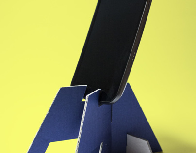 DIY Smartphone/Tablet Stand made of cardboard