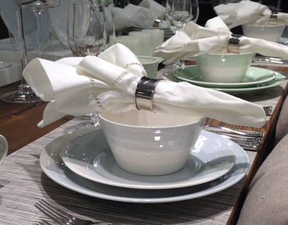 Hudsons Bay - Table Settings