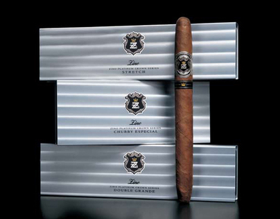 Zino Platinum Crown Series cigars and case