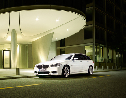 BMW 5 Series by night