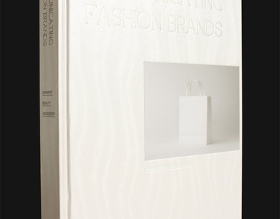 Livro Communicating Fashion Brands