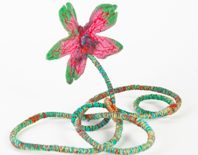 Art on a thread - flower jewelry