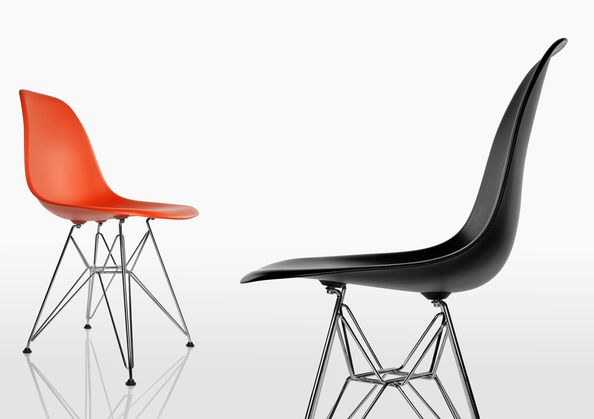 Eames Plastic Side Chair / Packshots