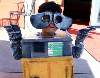 Halloween Costume: WALL-E