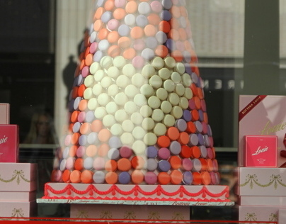 Window Display, Bottega Louie