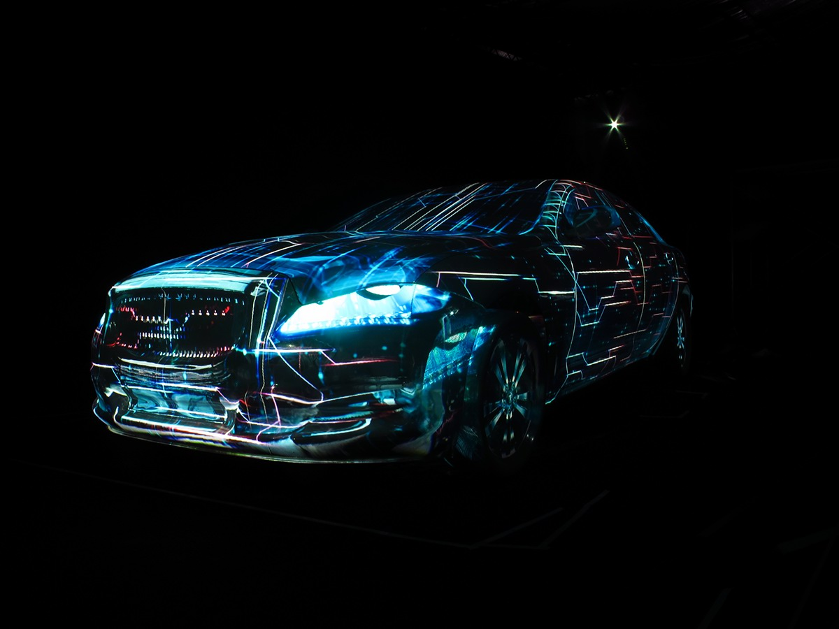 2012- MAPPING 3D ON A TRANSPARENT JAGUAR XJ