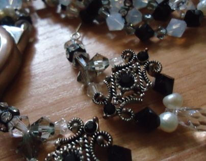DIY Jewelry Set: B/W Swarovski