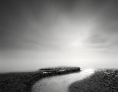 Minimalism & Silence by the Sea