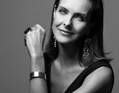 PHOTOGRAPHY - CAROLE BOUQUET PORTRAIT