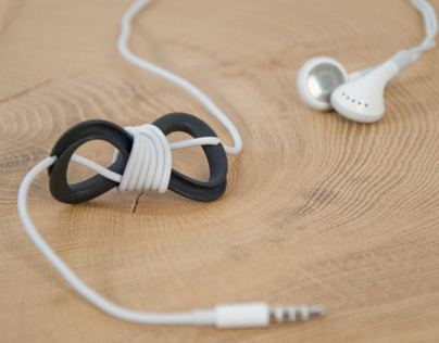 c8ble //  a helpful tool for organizing the headphones